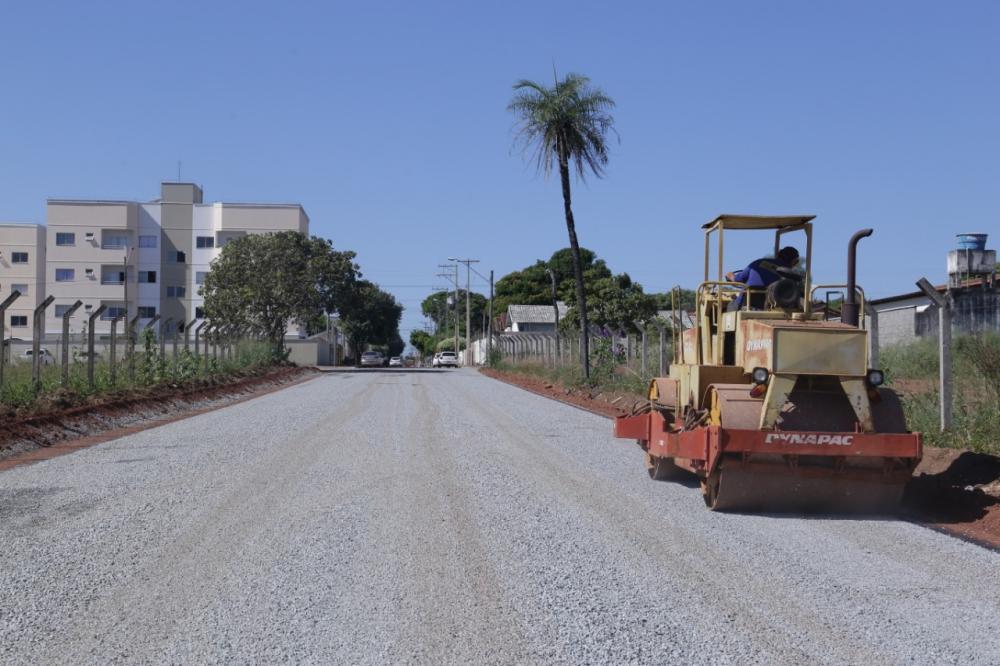 Com pavimentação de trecho da Rua 06 que o liga à BR-153, via passa a ser nova alternativa de saída da cidade