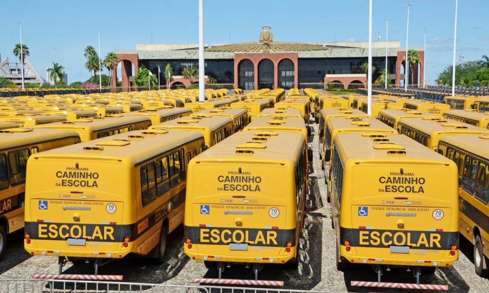 Carlesse autoriza transporte escolar de graça nas três maiores cidades do Tocantins
