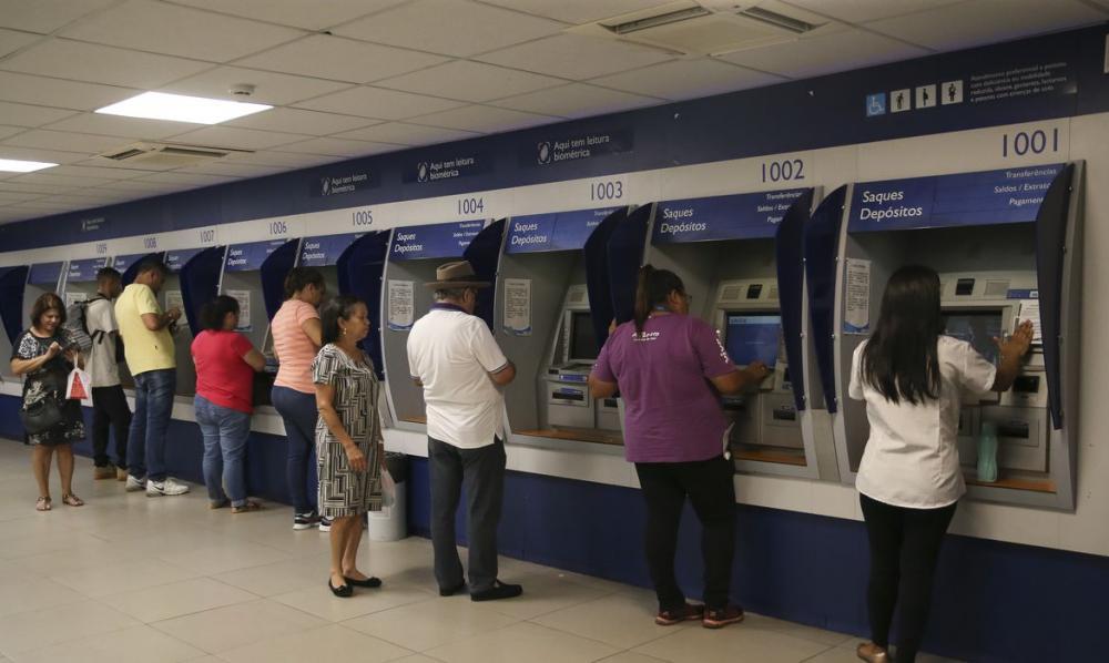 Governo suspende por 120 dias bloqueio de pagamento de benefícios